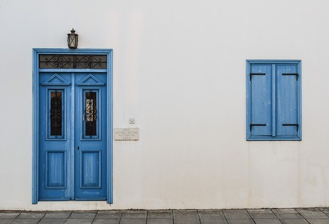 ozdoby na drzwi wejściowe